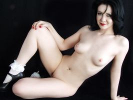 No.2 Nude-White Anklets by Snapfoto