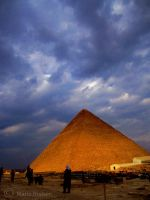 The Great Pyramide of Giza by Moonbird9