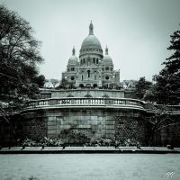Snow Day Sacre Coeur by Ironscopics