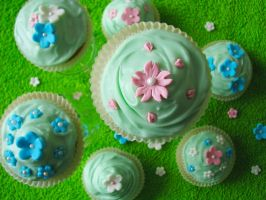 Spring Cupcakes by SkuttyWan