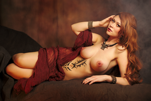 Tia the temptress, inspired by Royo by gestiefeltekatze