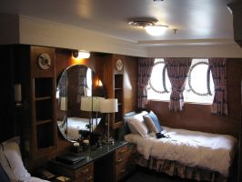 RMS QM Deluxe stateroom. by decophoto32
