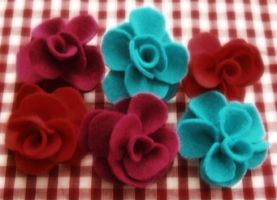 Felt Rose Brooches by rascalkosher