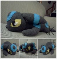 Shiny Umbreon Plush by justjenny322
