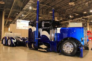 Black n Blue Semi by DrivenByChaos