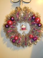 Cupcake Wreath by Boo-tastic