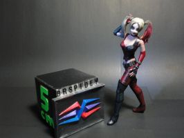 Harley Quinn [Arkham] papercraft (size reference) by BRSpidey