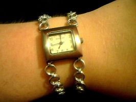 Simple Maille watch by lunabellvarga