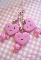Dangle Heart Phone Charm by Nika-N