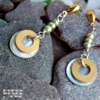 Brass and Pearl Earrings by che4u