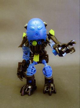 Eki the Shadow Matoran by Lol-Pretzel