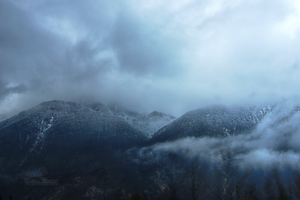 Misty mountains. by CelticCari