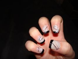 Black and White nails 2 by April--R