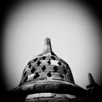 Main Stupa of Borobudur by thesaintdevil