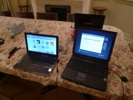 Linux laptop cluster by foxhead128