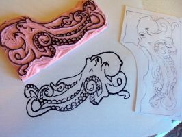 Octopus Rubber Stamp Carving by nezumish