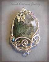 Moss Agate Pendant by blackcurrantjewelry