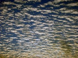 Streaks of clouds V3 by anuhesut