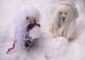 play with snow by saskha