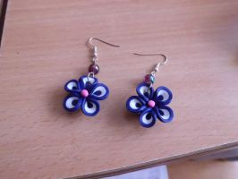 earring fleurs purple by saliadeesse