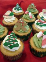 Christmas Cupcakes by Sliceofcake