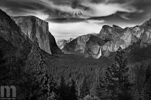 yosemite valley by stranj