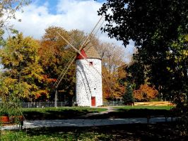 Moulin a vent de Pointe-aux-Trembles (fall) by Lapointe56