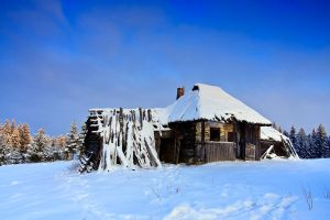 Winter Hut by lica20