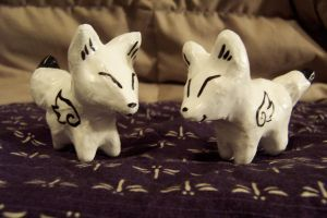 White wingy foxes by JillyFoo