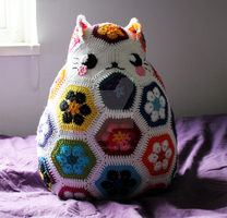 Crochet Cat Pillow by circummisso