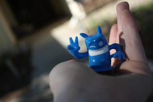A blob in my hand. by lacablob