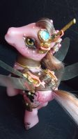 My little pony custom Bee Pop by AmbarJulieta