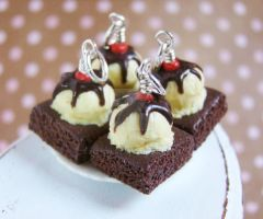 Chocolate Fudge Brownie by PetitPlat