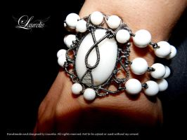 victorian white by Laurelis