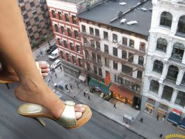 Giantess Joy downtown by lowerrider