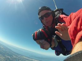 Skydiving: 13,500 Feet by ChavisO2