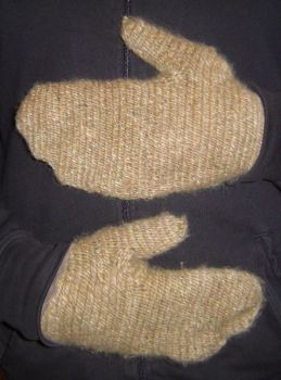 First mittens - Premieres moufles by Caldou