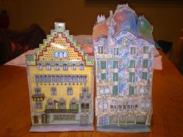 Casa Batllo and Casa Ametller papercrafts by Cuenk89