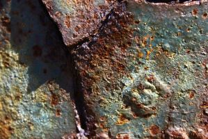 I'm such a big fan of colorful rust by ExposeTheBeauty
