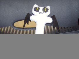 Winged Cat Plushie by Lomlon