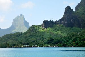 Mountains of Moorea 1 by wildplaces