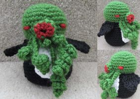 Cthulhu Penguin is Angry! by ashesonfire
