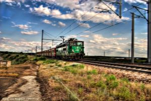 Train HDR by HDRenesys