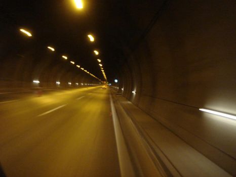 Tunnel by hmkstyle