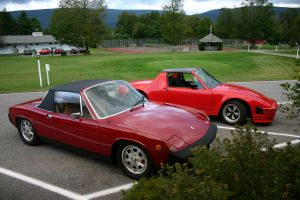 914 Chalon next to a 914 by 914four