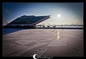 sun and ice at Dockland by Mondkringel