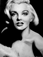 Marilyn Monroe by artistelllie