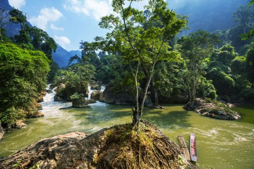 River cao bang in Vietnam by minhhai21