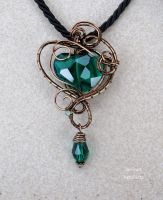 Emerald green heart wire wrapped pendant - OOAK by IanirasArtifacts