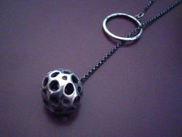 Matrix Ball Lariat Necklace by discomedusa